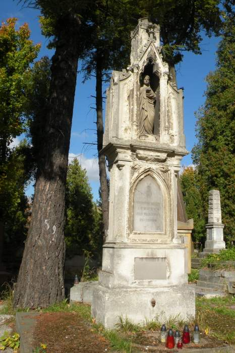 cmentarz-lyczakowski-grob-lewickich.jpg