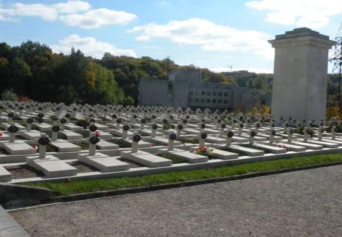 cmentarz-orlat-lwowskich1.jpg