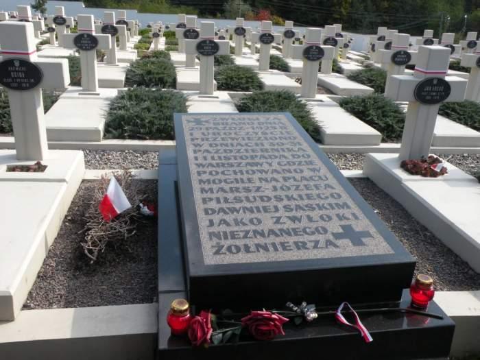 cmentarz-orlat-lwowskich3.jpg