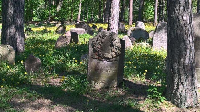 cmentarz-tatarski-kruszyniany-1-2.jpg