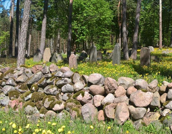 cmentarz-tatarski-kruszyniany-mur-kamienny.jpg