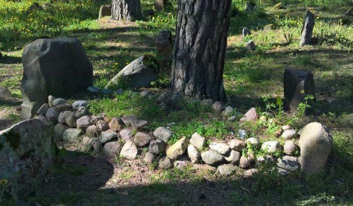 cmentarz-tatarski-kruszyniiany-stary--grob.jpg