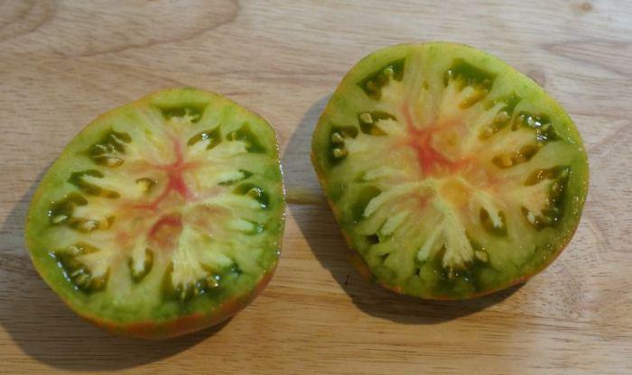 pomidor-berkeley-tie-dye-przekroj.jpg
