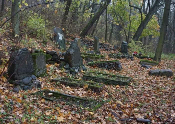radojewo-cmentarz2_2013-11-02.jpg